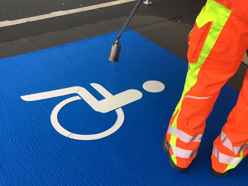 Markierung eines Behindertenparkplatz