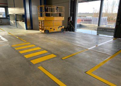 Markierung der Fußwege in gelb