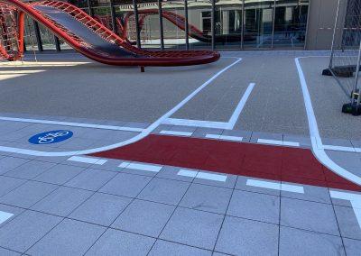 Markierung eines Fahrradparcours für die Mobilitäts- und Verkehrserziehung
